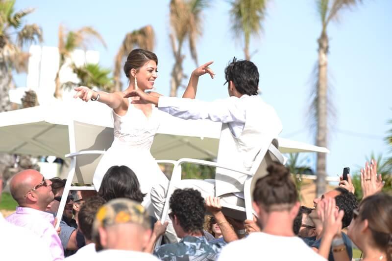 הפקה של וודמן לחתונת צהריים ליד המים