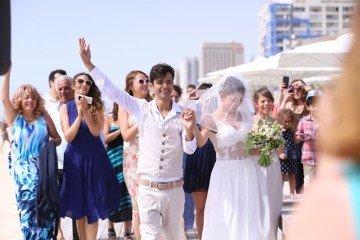 חוף, ים וחתונה מיוחדת