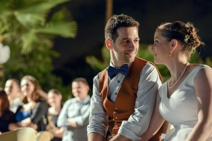 צילום יפה של חתן וכלה בחתונה בוילה