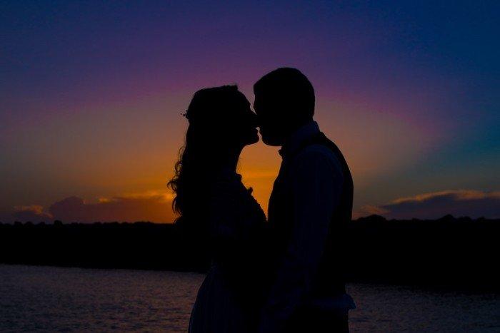 צילומים יפים ליד הים בחתונה יפואית