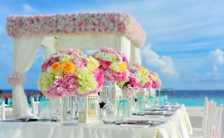 עיצוב אירוע באמצעות פרחים